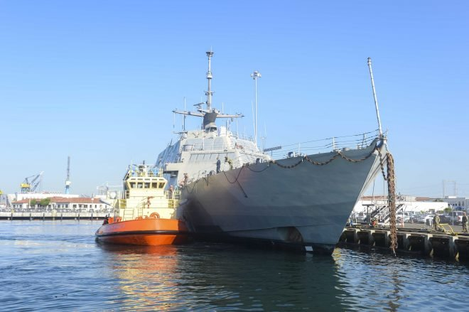 Navy Decommissions First Littoral Combat Ship USS Freedom, Strikes Tug USNS Sioux